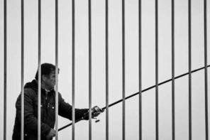 Ελλάς-200: Δια της βίας «ανασύνταξη»